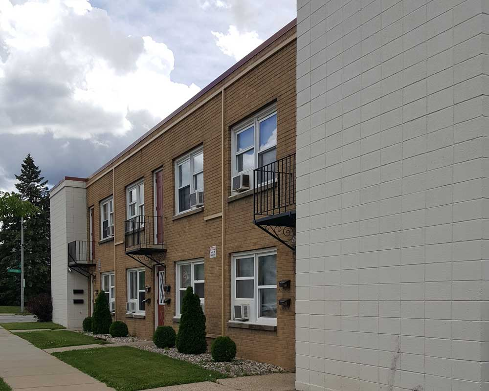 Prm apartment communities point real estate management for 1 bedroom apartments west allis