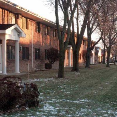 Roberts-Manor-Exterior-1